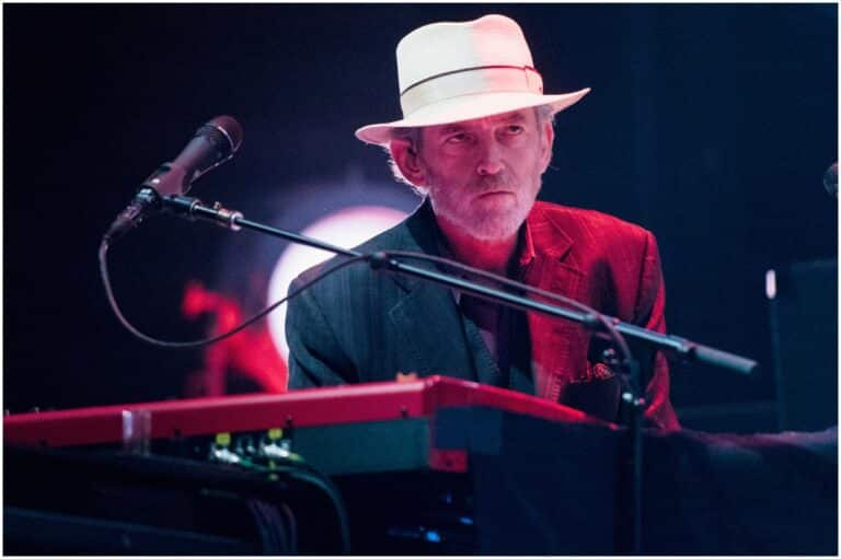 Benmont Tench - Net Worth, Wife (Alice Carbone), Children, Bio