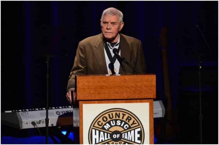 Tom T. Hall - Net Worth, Bio, Wife (Dixie), Children, Songs