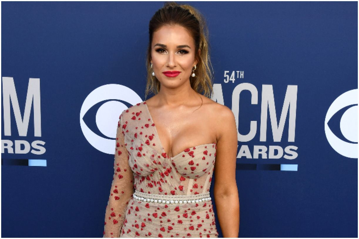 Jessie James Decker - Net Worth, Bio, Husband, Father, Age, Height, Quotes