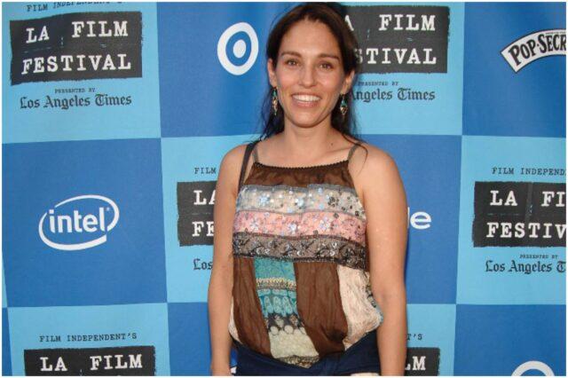 Amy Jo Johnson - Net Worth, Bio, Husband, Daughter, Movies, Power Rangers