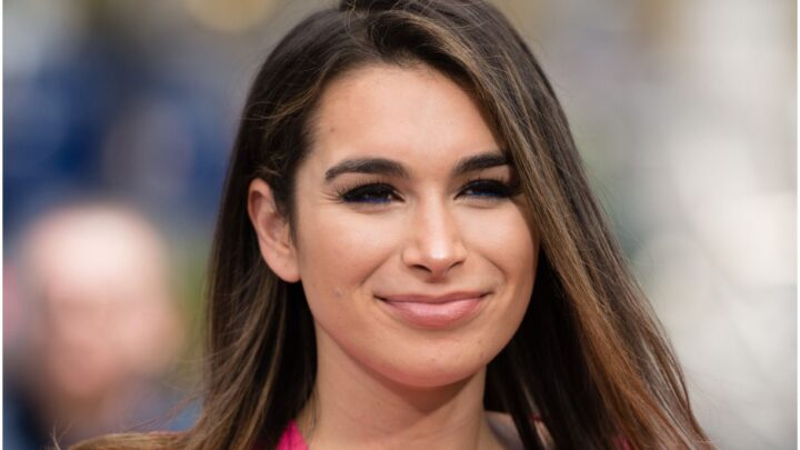 Ashley Iaconetti – Net Worth, Husband, Bio, Age, Job, Botox, The Bachelor
