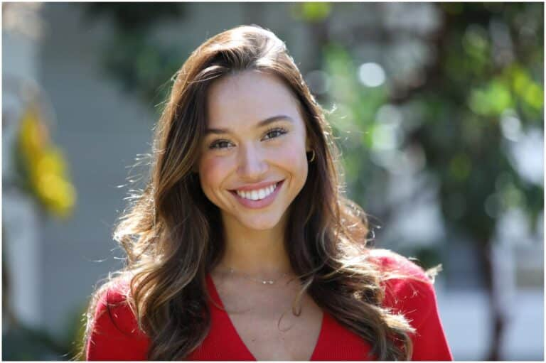 Alexis Ren - Net Worth, Bio, Boyfriend, Eating Disorder, Plastic Surgery, Photos