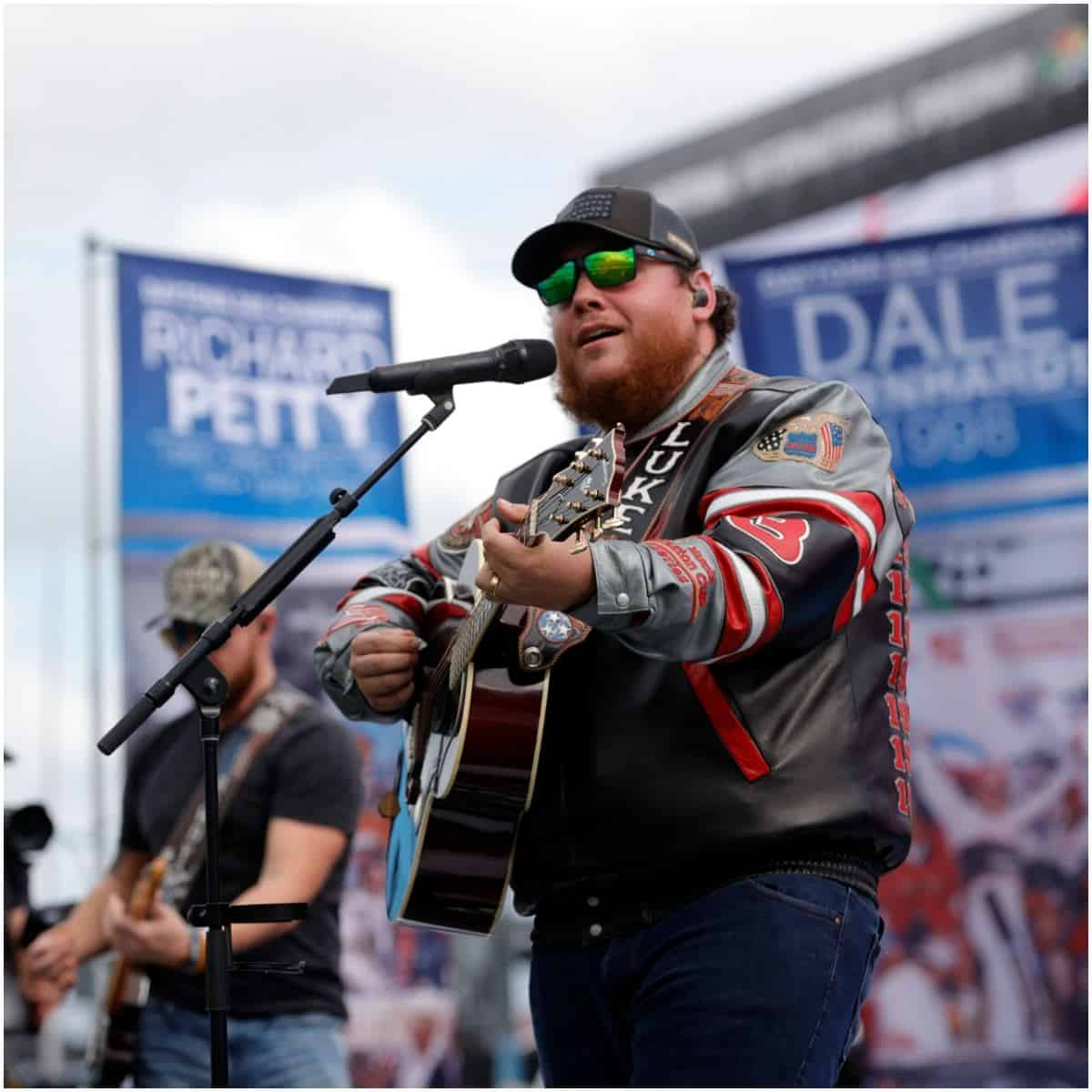 luke combs net worth