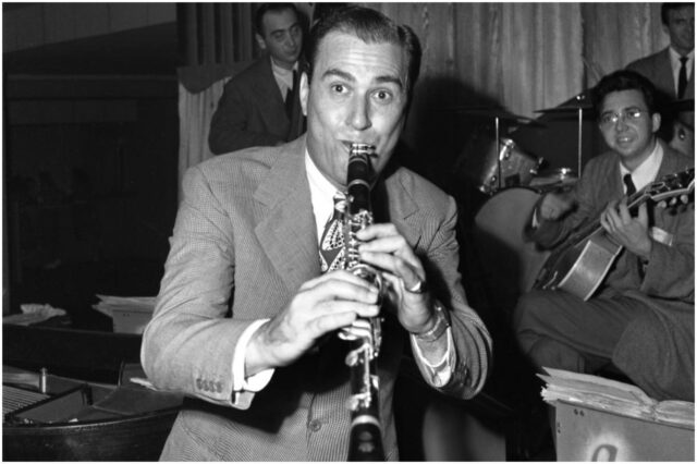 10 Famous Clarinet Players (Artie Shaw)