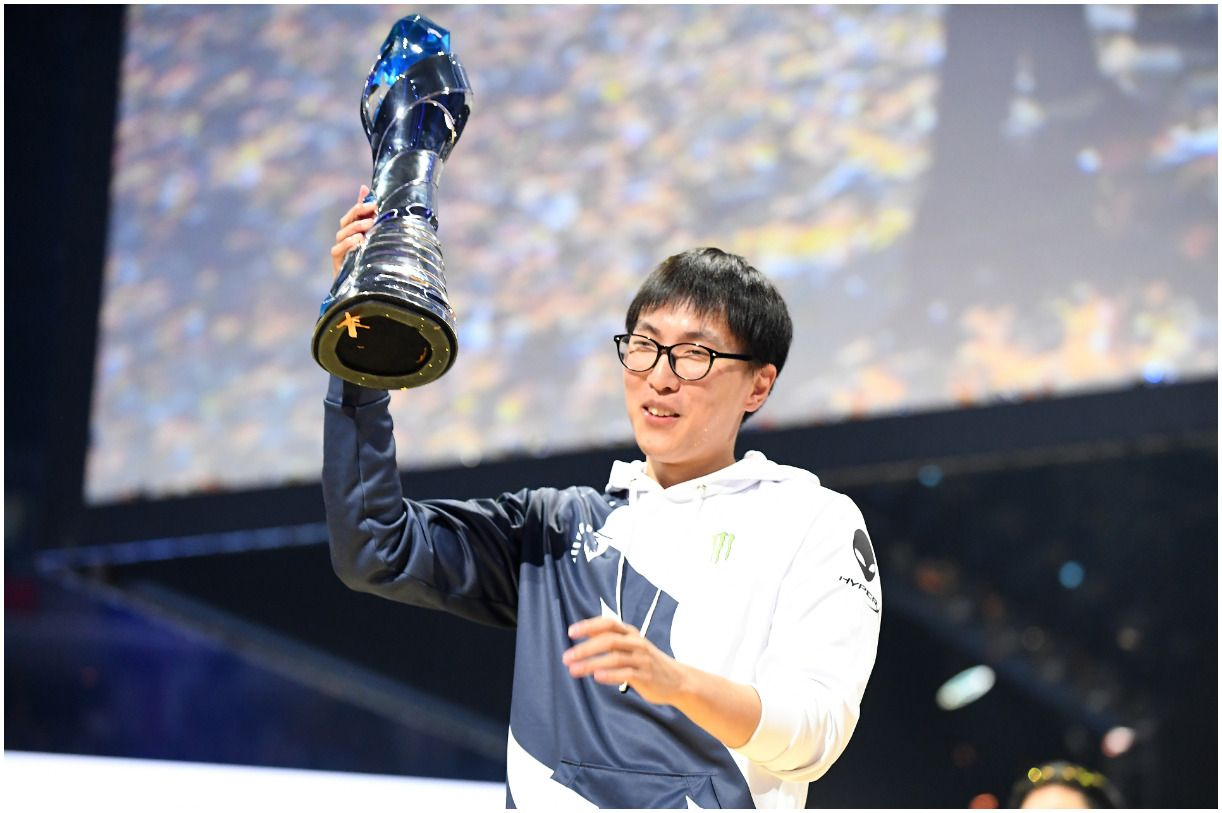 Doublelift Net Worth 2020 Girlfriend, Bonnie, Leena, Brother, Age, Salary, Height