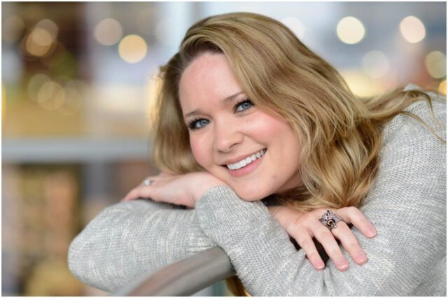 Sarah J. Maas - Net Worth, Bio, Husband, Books, Quotes