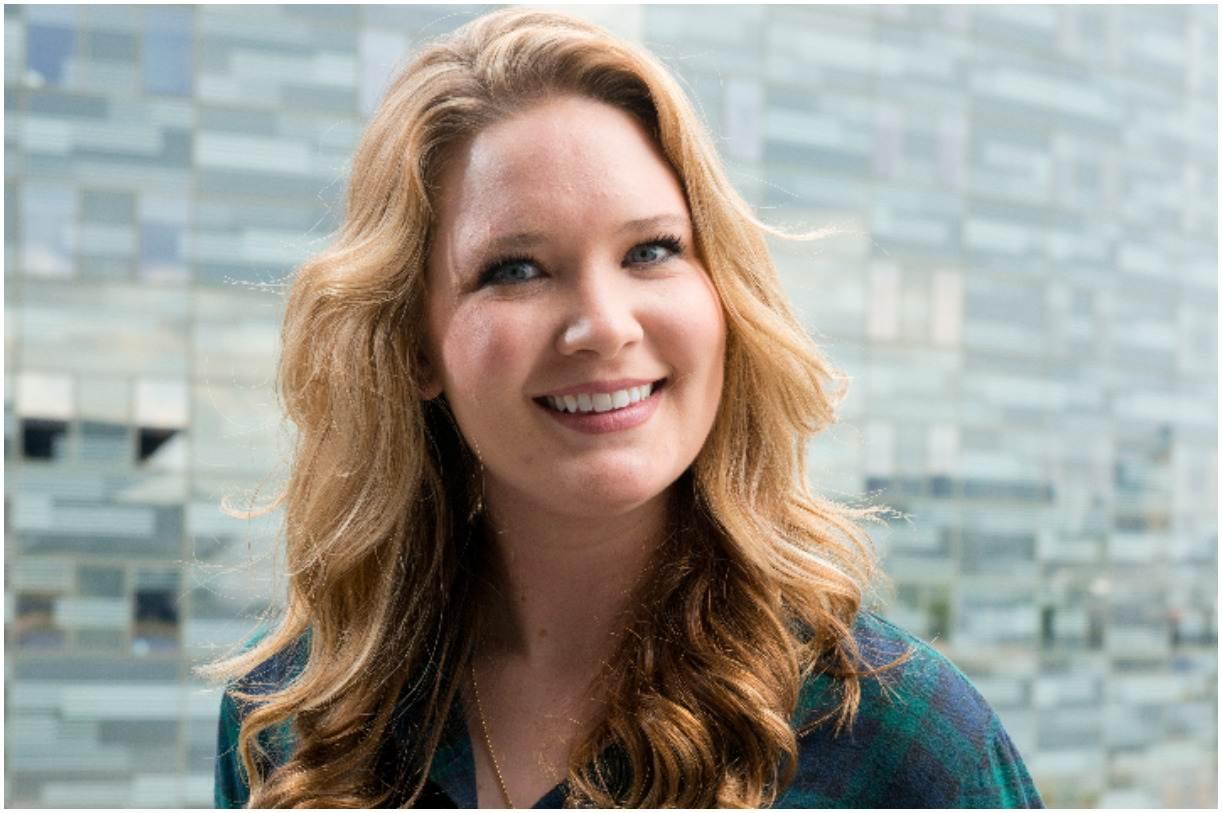 Sarah J. Maas Net Worth