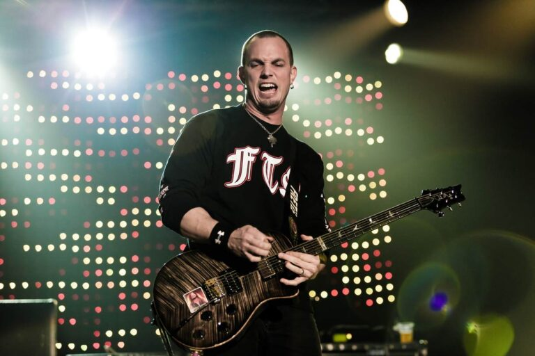 Mark Tremonti – Net Worth, Wife (Victoria Rodriguez), Height