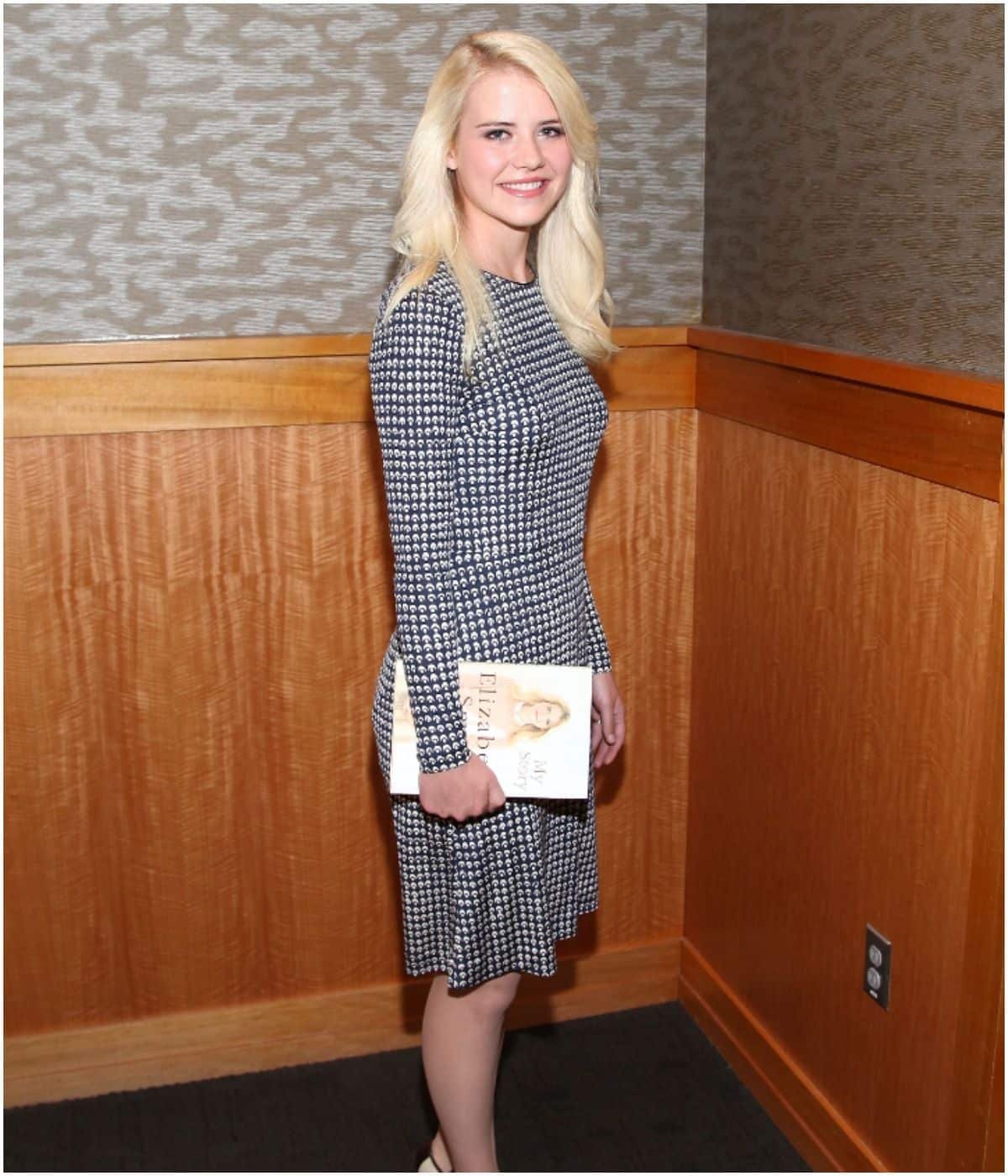 what is the net worth of Elizabeth Smart