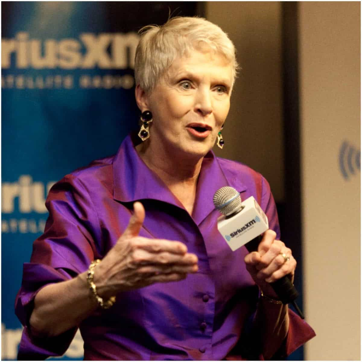 what is the net worth of Jeanne Robertson