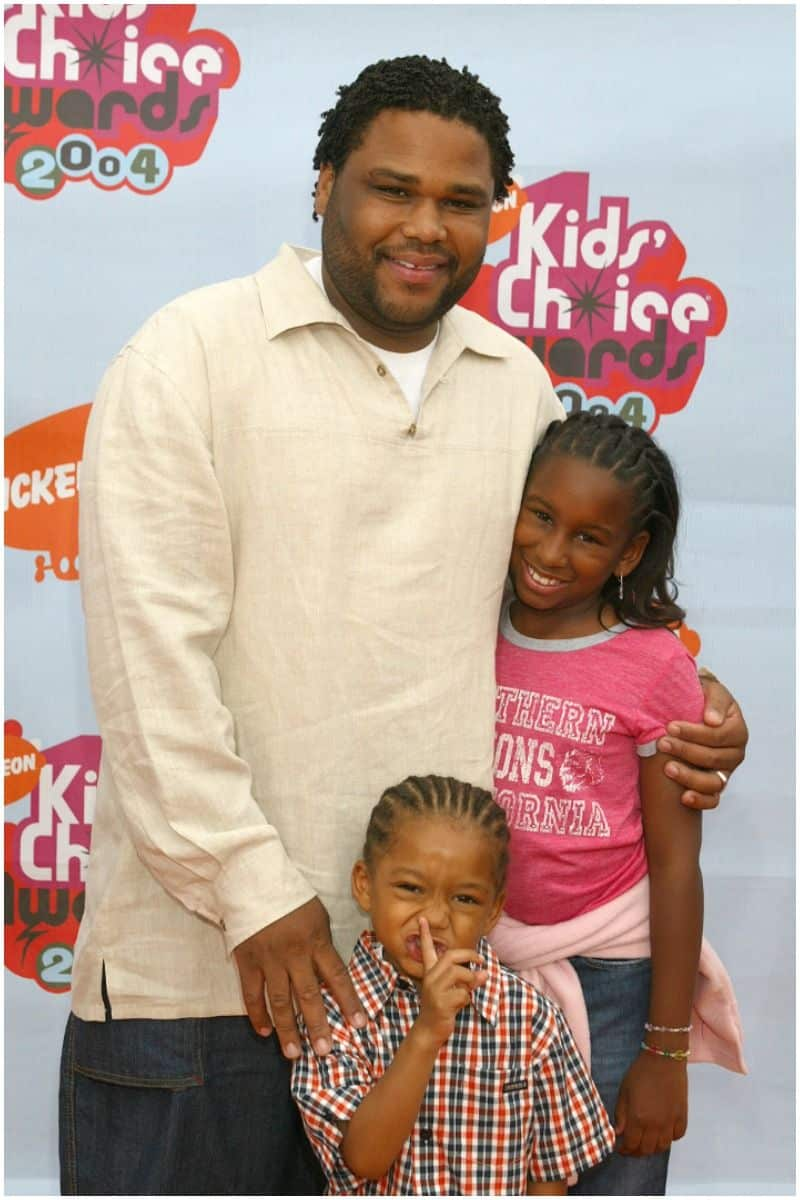 Anthony Anderson with his children