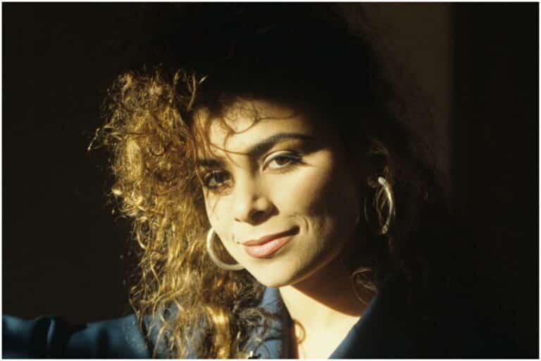 Paula Abdul - Net Worth, Boyfriend (JT Torregiani), Plane Crush, Biography