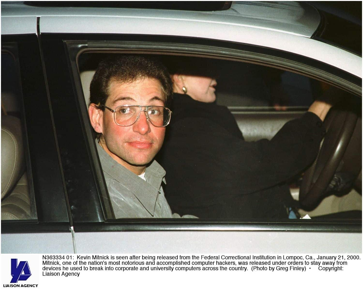 what is the net worth of Kevin Mitnick