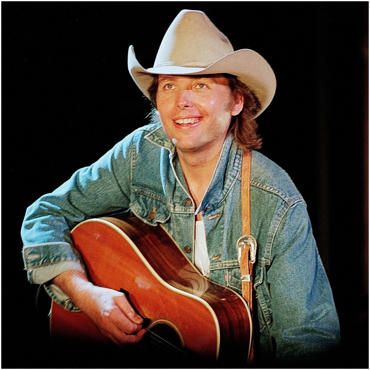 what is the net worth of Dwight Yoakam