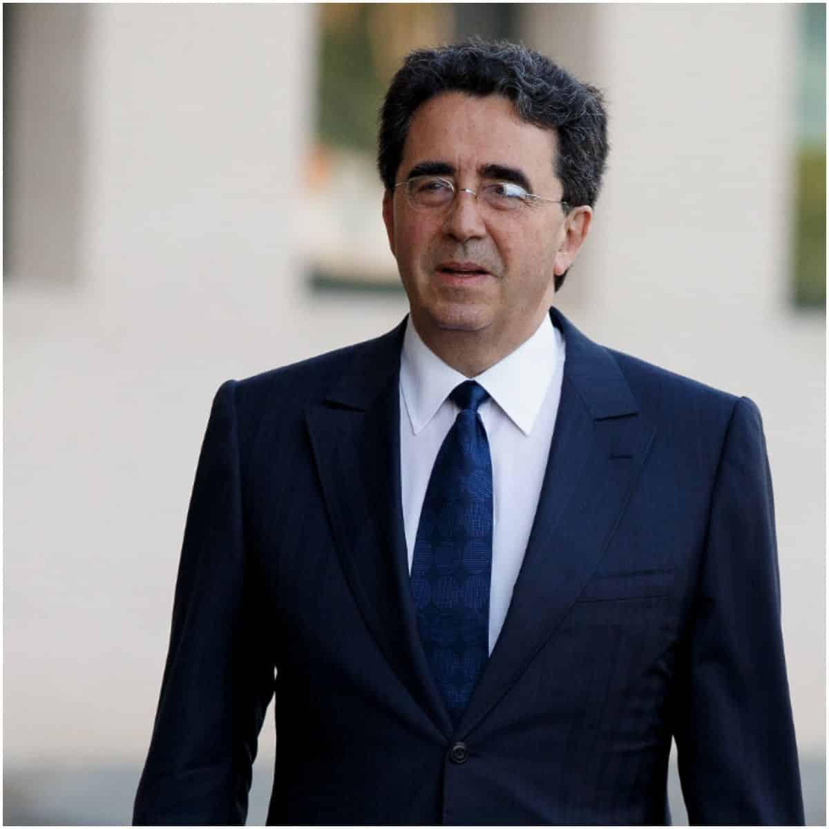 what is the net worth of Santiago Calatrava