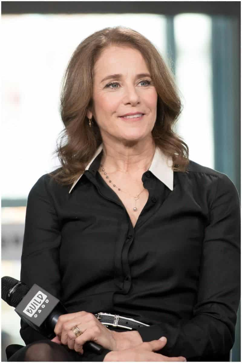 Did Debra Winger leave the show the ranch
